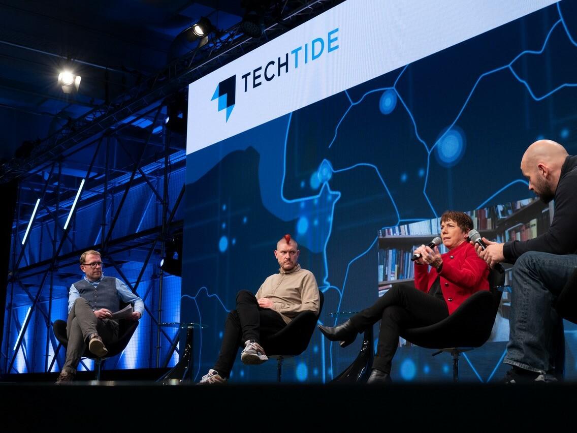 Bühne der Techtide 2020 mit Muhle, Lobo, Käßmann und Leppelt.
