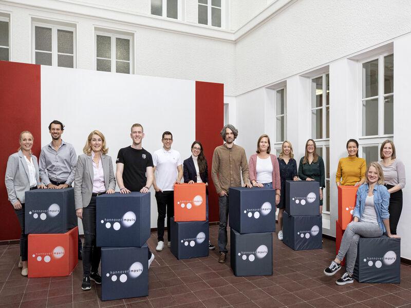 Alle fünf teilnehmenden Teams am Female Health Incubator.