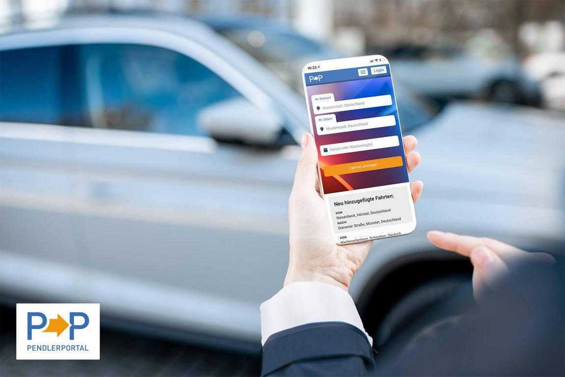 Eine Pendlerin die über die Pendlerportal-App auf der Suche nach einer Fahrgemeinschaft ist
