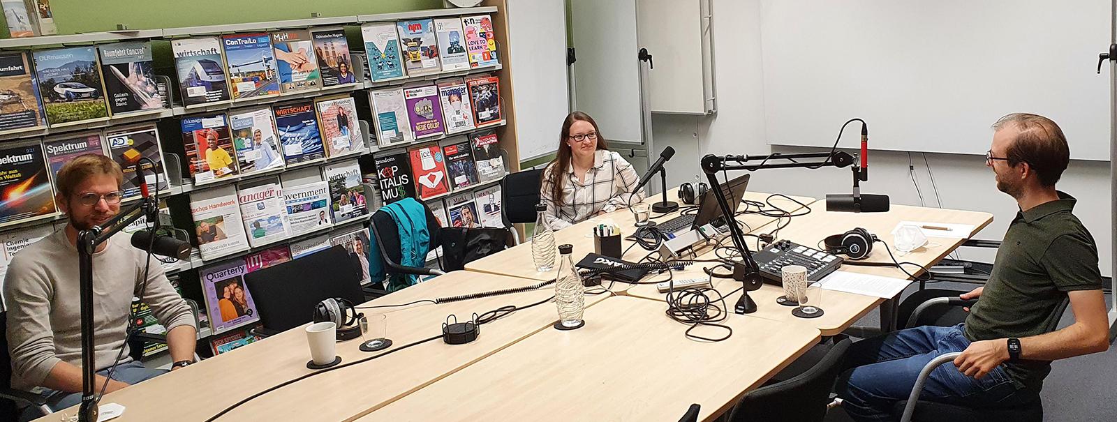 v.l.: Dr. Sascha Kulas, Projektleiter Niedersachsen ADDITIV, Yvonne Johannsen von der LZH Laser Akademie GmbH und Christian Wagener, Themenmanager der Digitalagentur Niedersachsen